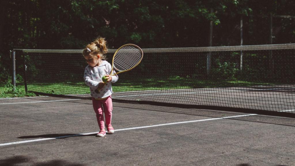 best-tennis-racquets-for-beginners-2019